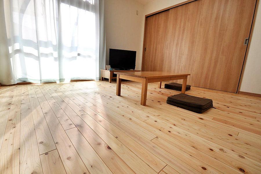徳島県産木材針葉樹阿波ヒノキ無垢フローリングの施工事例
