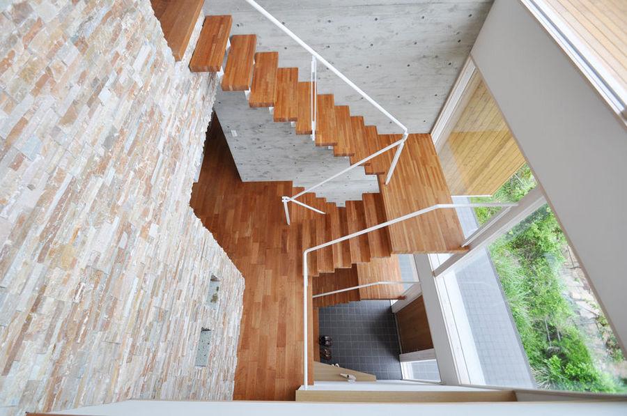 ブラックチェリー 無垢階段材 施工例