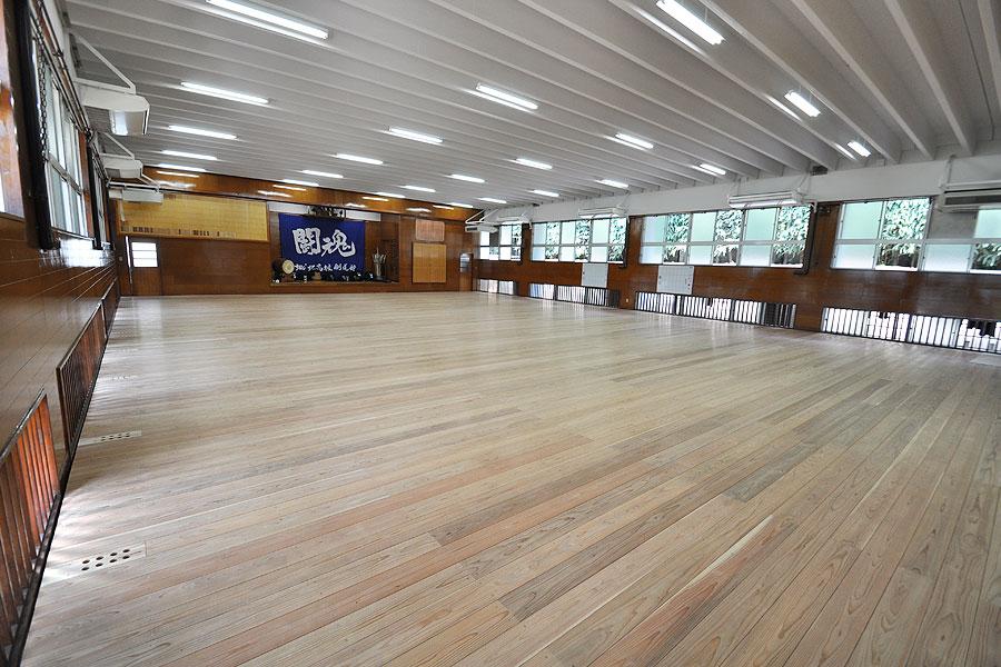 剣道場専用床材施工例 東京都 城北学園剣道場