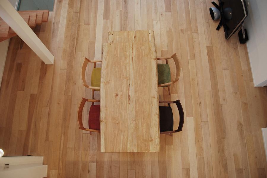 シルキーメイプル 無垢フローリングの施工例