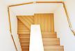 シベリアン ウォールナット 無垢フローリング 階段材 施工画像 床材品番:SW (段鼻部材 段板部材 蹴込板部材 練付集成材 框材 オイル塗装)