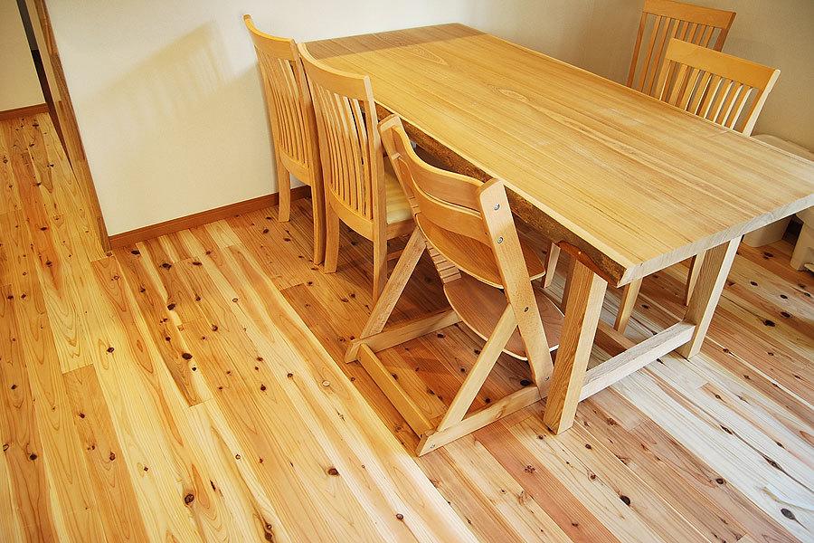 タモテーブル(ダイニングテーブル)