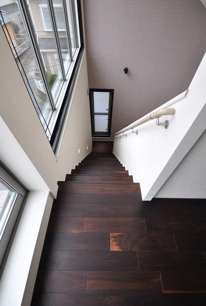 広葉樹 ウォールナットモカフローリング[品番:WM-01]サイズ 乱尺x120mm巾x15mm厚 階段板
